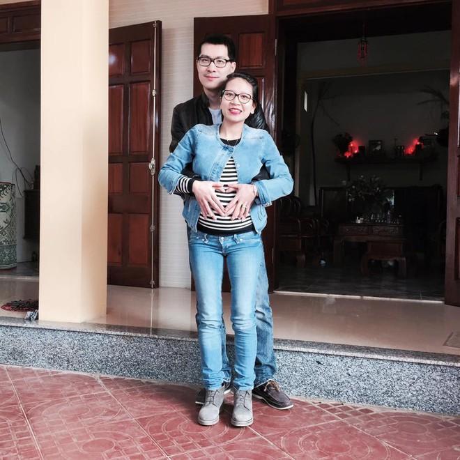 Nàng dâu Việt trên đất Pháp kể chuyện ăn Tết tại nhà chồng gốc Hoa: xa quê vẫn đủ bánh chưng, hoa đào, lì xì đỏ - ảnh 1