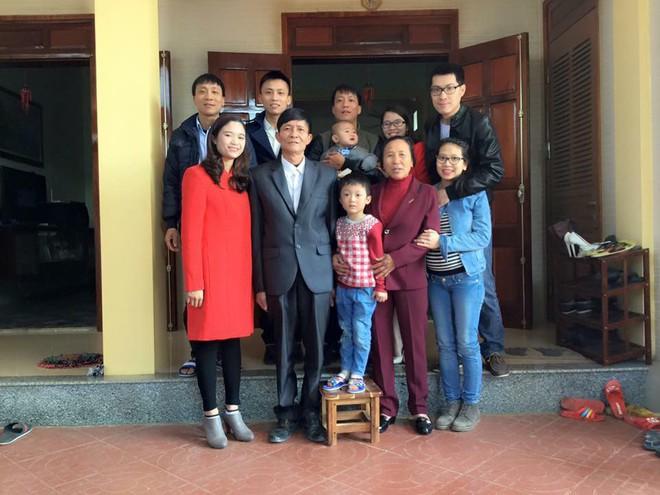Nàng dâu Việt trên đất Pháp kể chuyện ăn Tết tại nhà chồng gốc Hoa: xa quê vẫn đủ bánh chưng, hoa đào, lì xì đỏ - ảnh 3