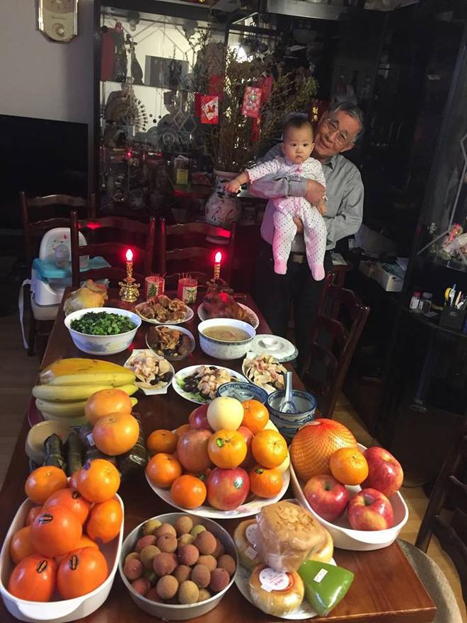 Nàng dâu Việt trên đất Pháp kể chuyện ăn Tết tại nhà chồng gốc Hoa: xa quê vẫn đủ bánh chưng, hoa đào, lì xì đỏ - ảnh 6