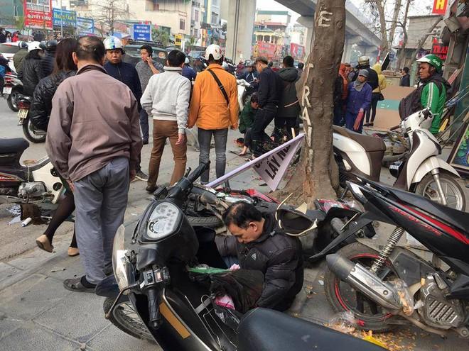 Hà Nội: Xe điên gây tai nạn liên hoàn, nhiều người đang về ăn Tết phải nhập viện - Ảnh 7.