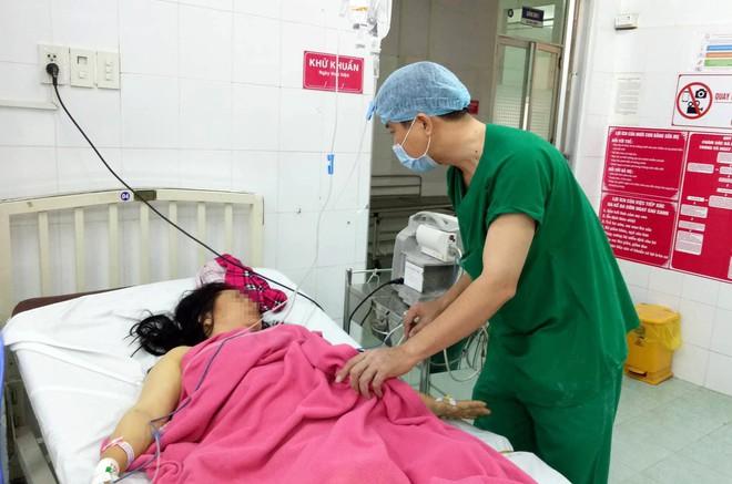 Bạc Liêu: Sản phụ bị suy thai cấp, suýt mất con thứ 3 ngày 27 Tết vì hội chứng nguy hiểm - Ảnh 1.
