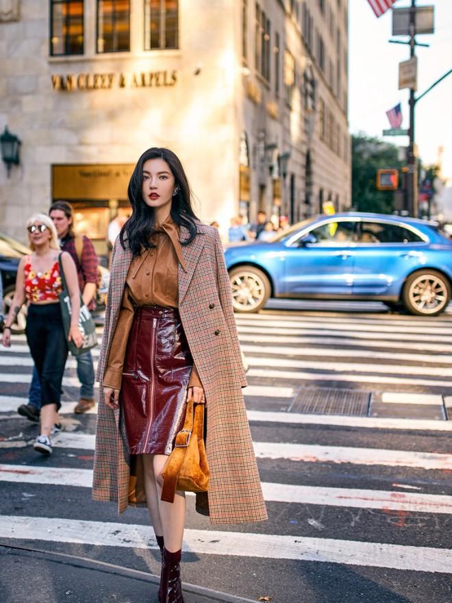 Lên đồ đẹp mĩ mãn cho ngày đi làm đầu xuân với 5 sắc trang phục nổi bật và cực trendy - Ảnh 18.