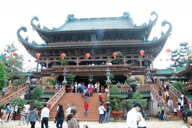 3 nguyên tắc chính đi chùa ngày đầu năm cần lưu ý để có một năm mới vui vẻ, may mắn - Ảnh 1.