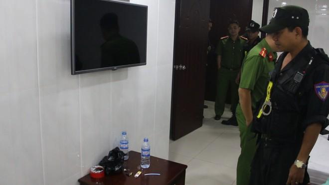 Nhiều nam nữ thuê khách sạn nghi phê ma túy ở Sài Gòn trong ngày 28 Tết nguyên Đán - Ảnh 2.