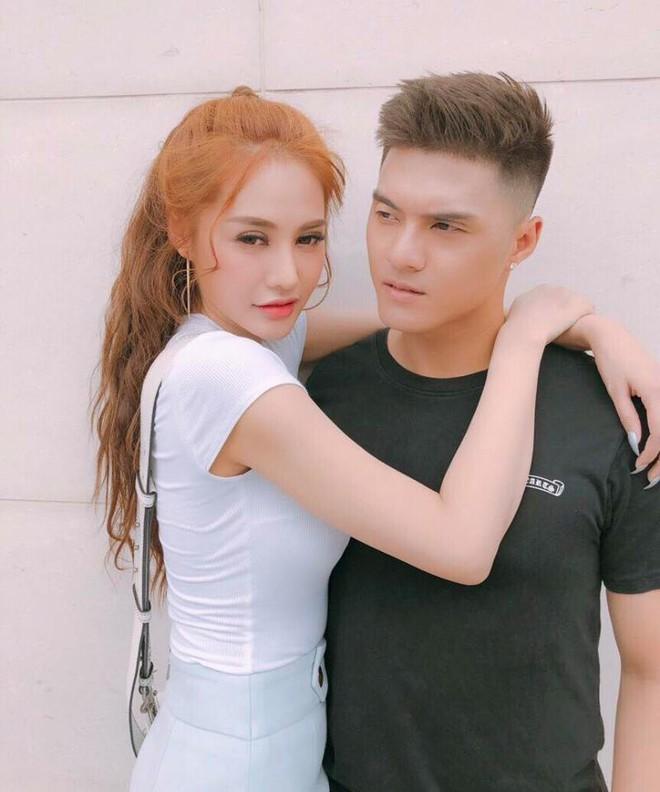 Soi nhất cử nhất động của sao Việt (13/2) - Ảnh 1.