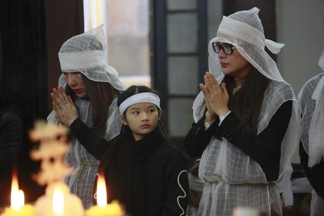 Trần Bảo Sơn đến viếng đám tang của bố vợ cũ - Ảnh 5.