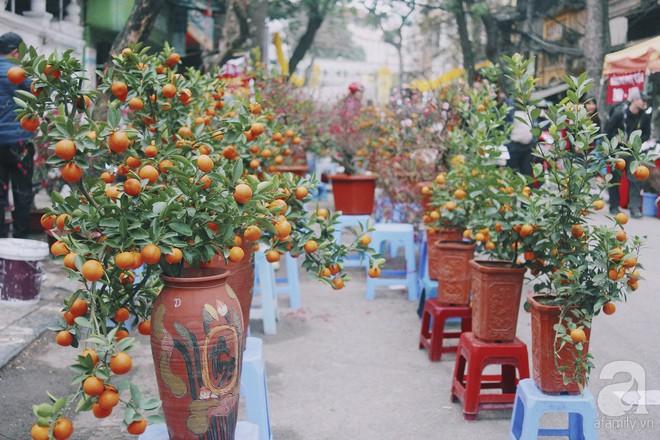 Những ngày cuối năm, đi chợ Tết để mua về niềm vui, gợi về kí ức thời ông bà anh - Ảnh 34.