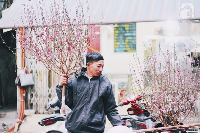 Những ngày cuối năm, đi chợ Tết để mua về niềm vui, gợi về kí ức thời ông bà anh - Ảnh 33.