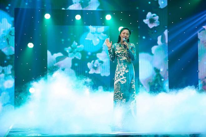 Bảo Anh, Văn Mai Hương, Ngọc Thanh Tâm khoe vẻ quyến rũ chào đón năm mới - Ảnh 9.
