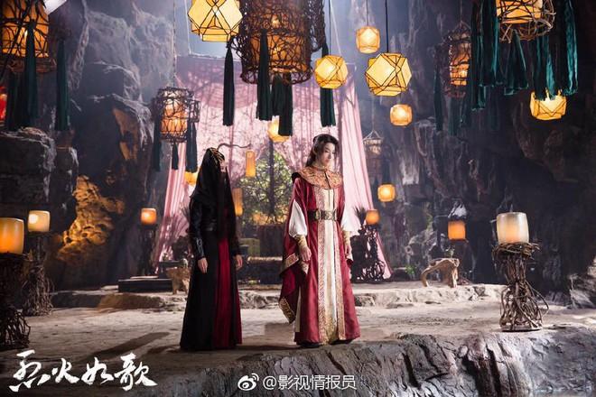 Ngây ngất với cảnh soái ca áo trắng Châu Du Dân tình tứ bên Địch Lê Nhiệt Ba  - Ảnh 14.