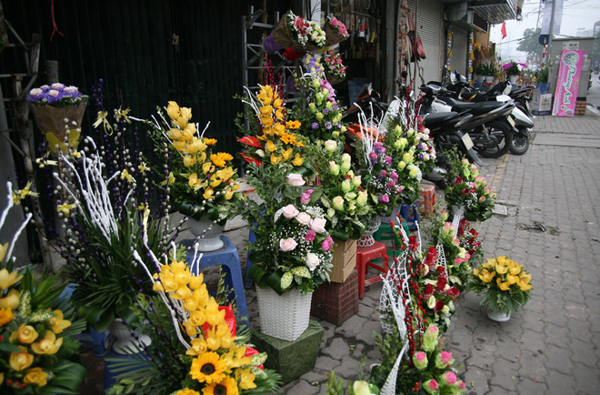 Shop hoa tươi, socola vắng tanh khách do Valentine đúng dịp Tết - Ảnh 5.