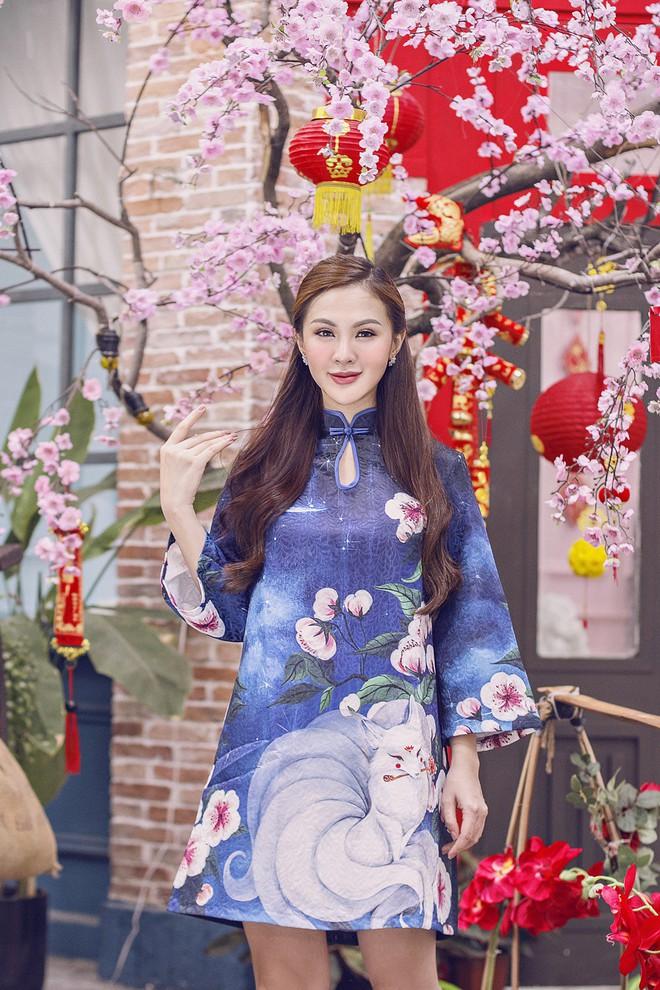 """""""Hội chị em"""" Kelly Nguyễn – Lilly Luta nền nã với áo dài Xuân - ảnh 2"""