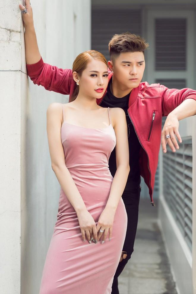 Khẳng định là tri kỷ, Linh Chi - Lâm Vinh Hải vẫn tình tứ trong ngày Valentine - Ảnh 1.