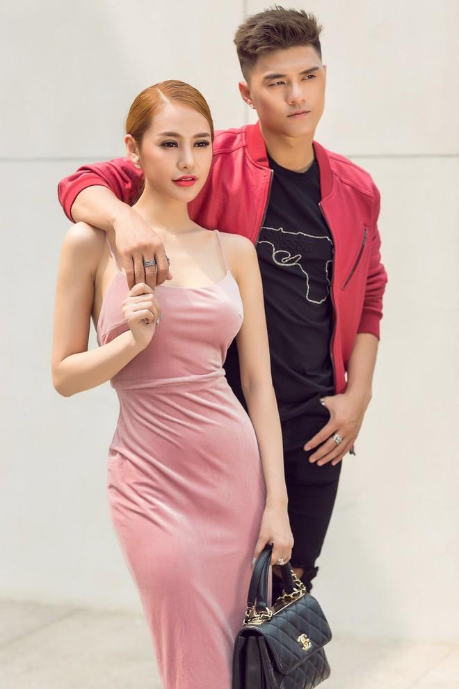 Khẳng định là tri kỷ, Linh Chi - Lâm Vinh Hải vẫn tình tứ trong ngày Valentine - ảnh 2