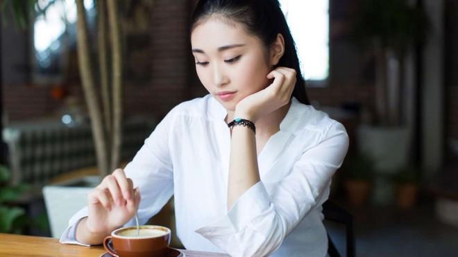 """Nỗi lòng cay đắng của nhiều phụ nữ """"thừa thãi ở Hong Kong: 31 tuổi nhưng chưa biết hẹn hò là gì - Ảnh 1."""