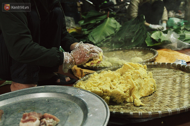 Chùm ảnh: Làng bánh chưng Tranh Khúc tất bật những ngày giáp Tết truyền thống - ảnh 11