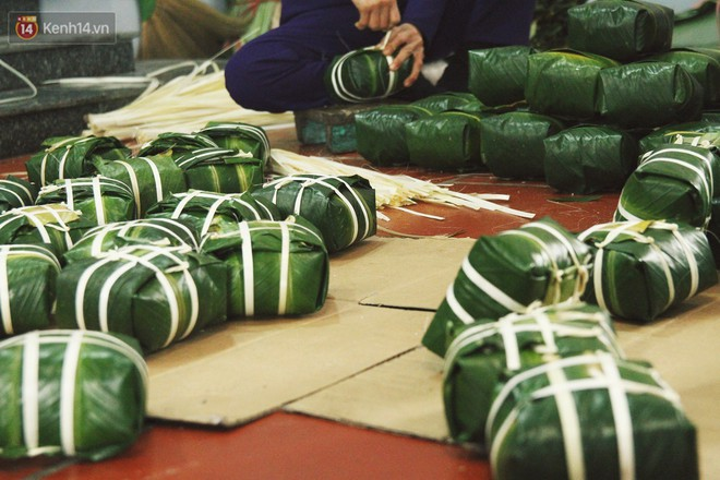 Chùm ảnh: Làng bánh chưng Tranh Khúc tất bật những ngày giáp Tết truyền thống - Ảnh 15.