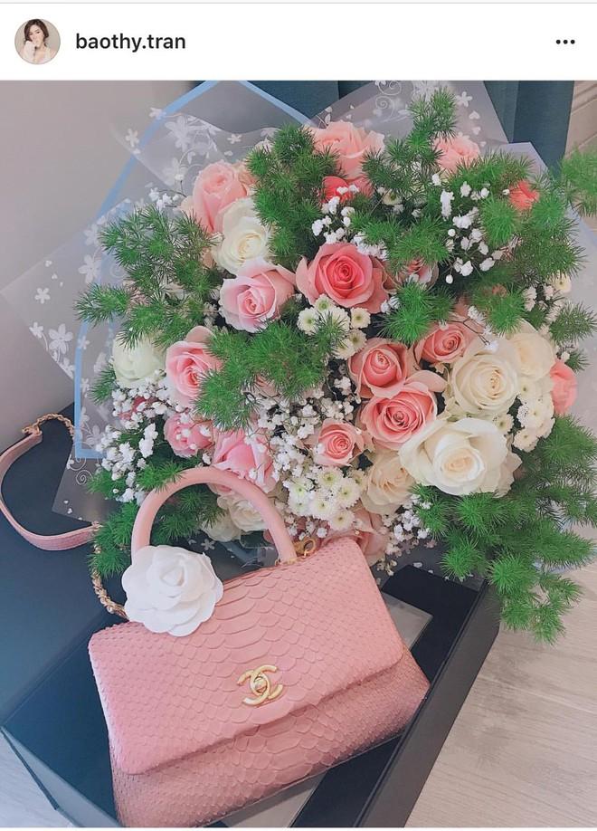 Hậu Valentine, các người đẹp Việt nô nức khoe quà khủng từ nước hoa cho tới túi xách hàng chục triệu - Ảnh 4.