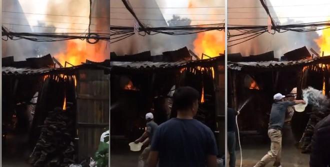 Hà Nội: Cháy nhà tạm ngày 30 Tết, hàng xóm vội bỏ việc mua sắm hô hào nhau dập lửa - ảnh 3