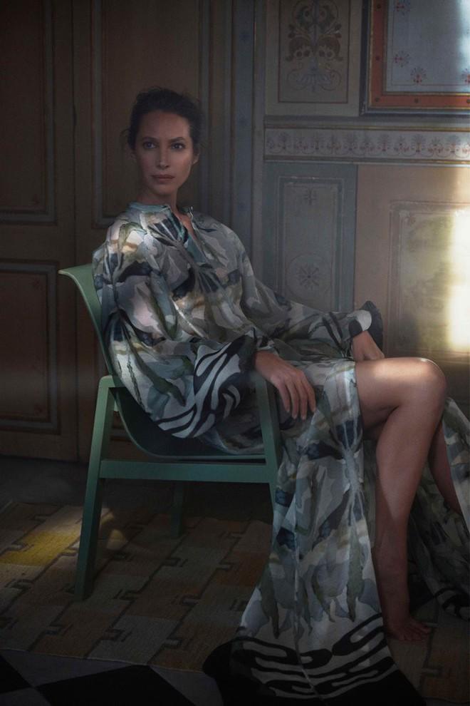Bạn không nhầm đâu, H&M thực sự đã thiết kế váy cưới từ lưới đánh cá và đồ tái chế! - Ảnh 2.