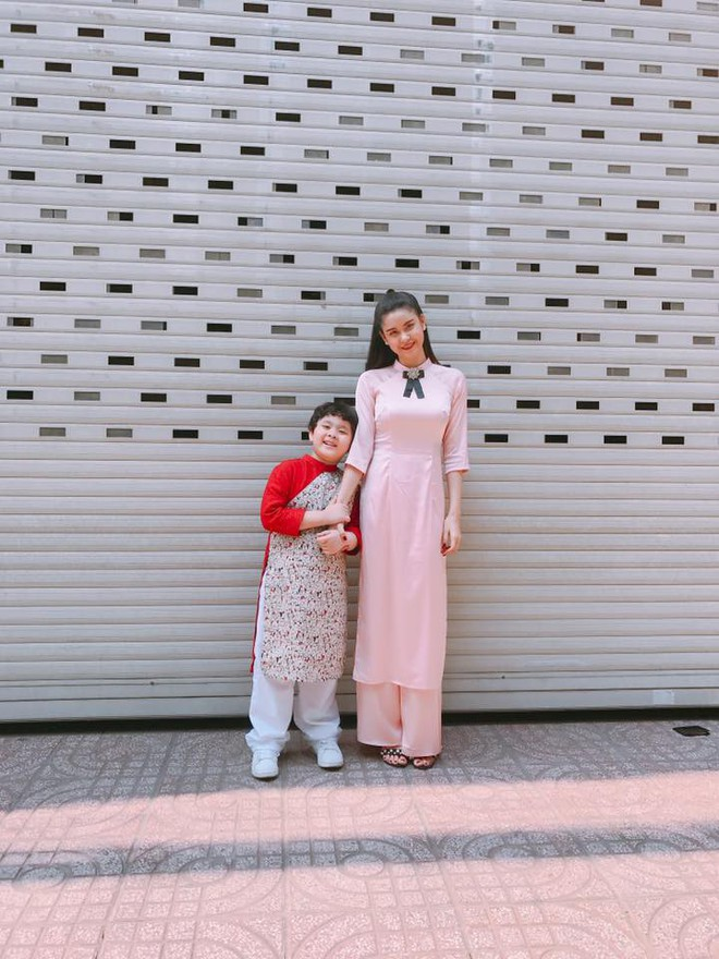 Chẳng riêng gì sao Việt, các nhóc tỳ nhà sao cũng xúng xính áo dài đón Xuân mới - Ảnh 7.