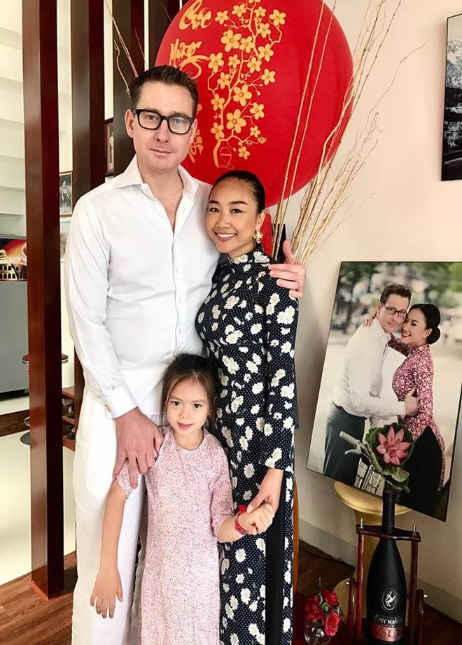 Chẳng riêng gì sao Việt, các nhóc tỳ nhà sao cũng xúng xính áo dài đón Xuân mới - Ảnh 20.