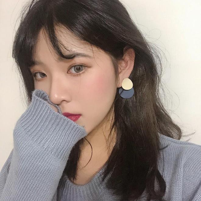 Quanh đi quẩn lại con gái Hàn Quốc vẫn chỉ mê mẩn 5 kiểu trang điểm đặc trưng này - Ảnh 1.