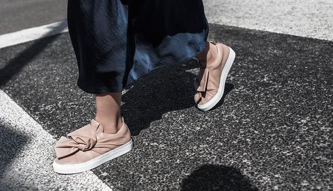 Xu hướng giày thể thao năm 2018 đang khởi động với 5 thiết kế này - Ảnh 6.