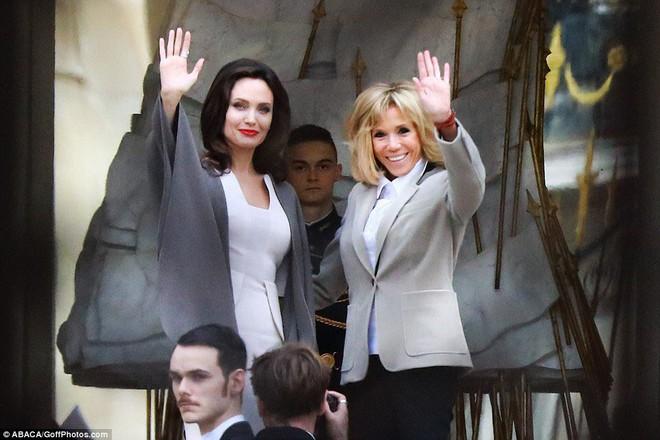 Diện đồ đơn giản, nhưng ít ai ngờ Angelina Jolie đã chi gần 500 triệu đồng cho trang phục trong chuyến đi Paris vừa qua - Ảnh 2.