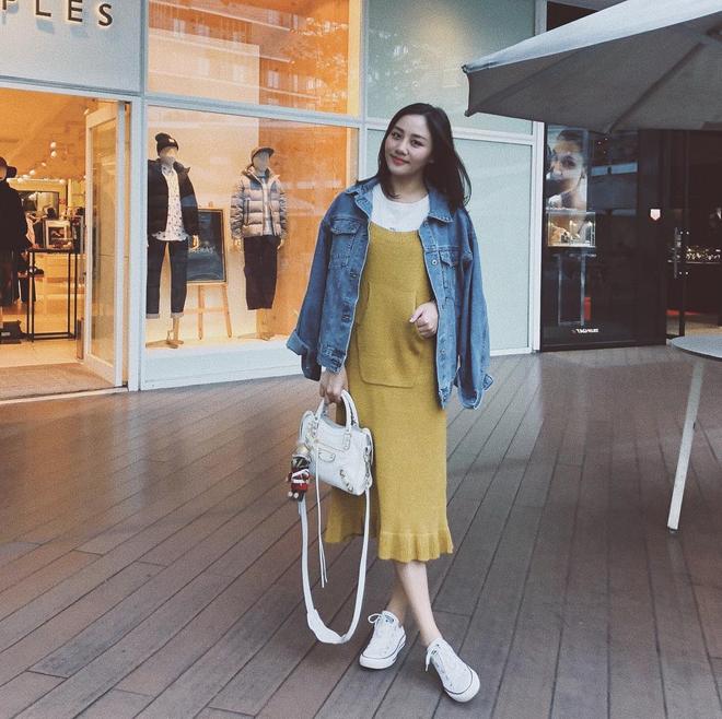 Lên đồ biểu diễn có vẻ hơi già, nhưng street style ngày thường của cô nàng tuổi Tuất - Văn Mai Hương lại trẻ trung hết sảy - Ảnh 15.