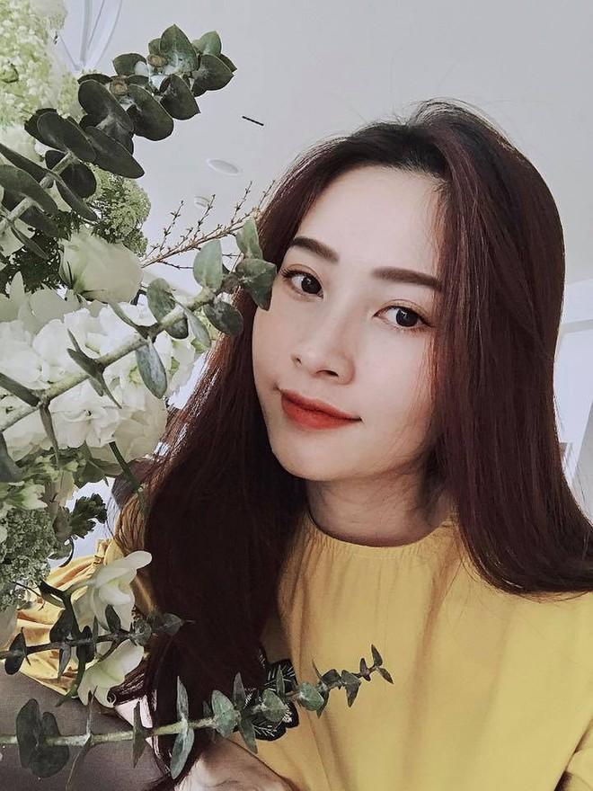 4 mẹ bầu mới của showbiz Việt 2018: người nhẹ nhàng đơn giản, người vòng 2 vượt mặt mà vẫn sexy - Ảnh 3.