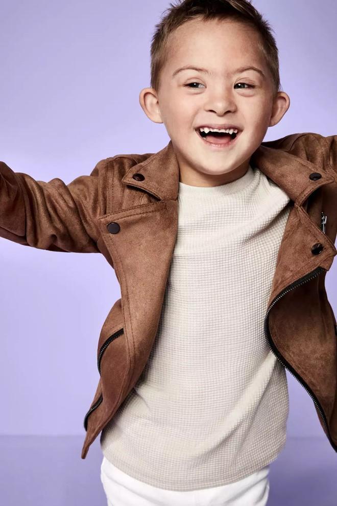 Trẻ em khuyết tật trở thành người mẫu chuyên nghiệp trong chiến dịch mới của thương hiệu thời trang - Ảnh 7.
