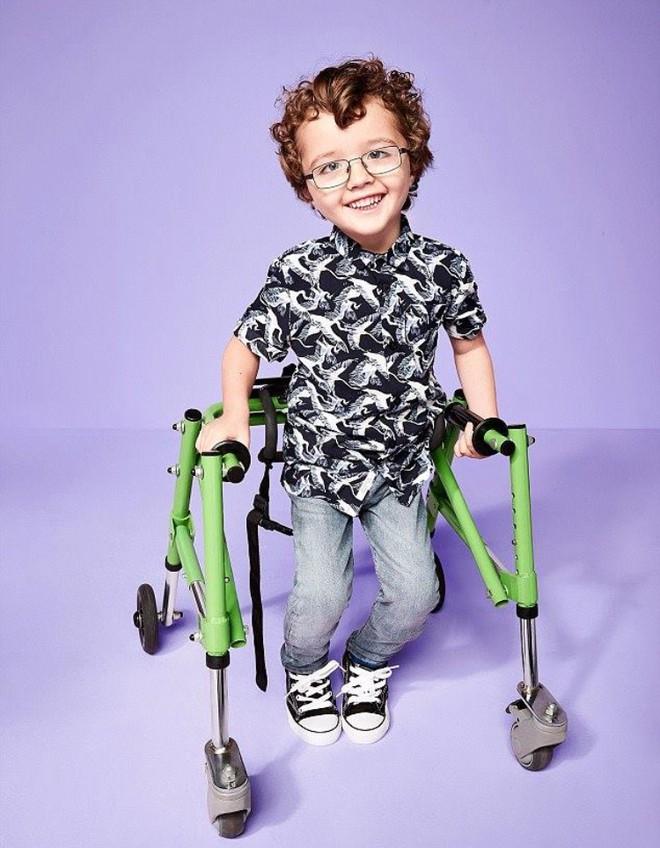 Trẻ em khuyết tật trở thành người mẫu chuyên nghiệp trong chiến dịch mới của thương hiệu thời trang - Ảnh 3.