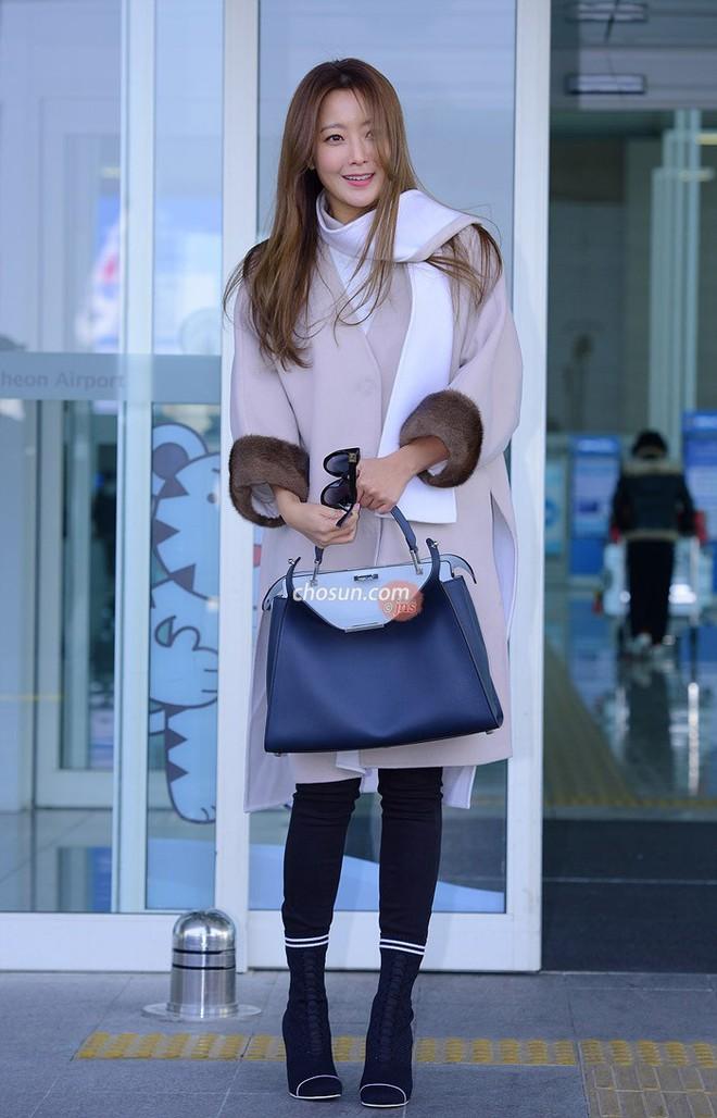 Mỹ nhân không tuổi Kim Hee Sun lên đường sang Milan dự tuần lễ thời trang - Ảnh 8.