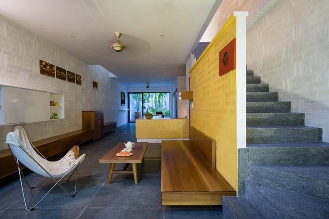 Ngôi nhà có kiến trúc của văn hóa hai miền Nam Bắc - Ảnh 4.