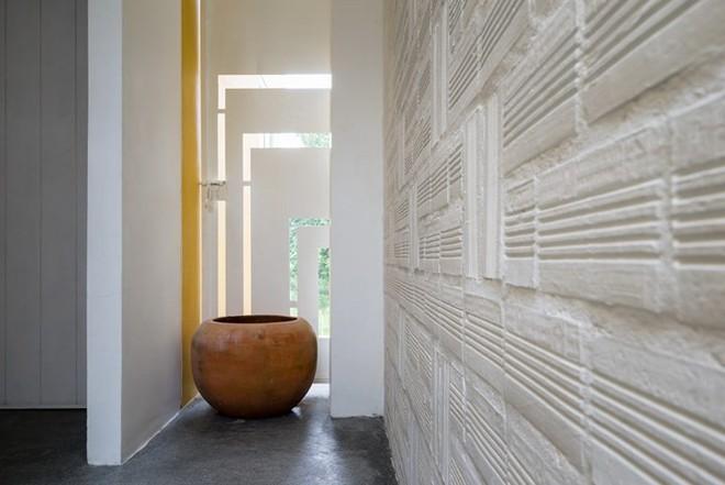 Ngôi nhà có kiến trúc của văn hóa hai miền Nam Bắc - Ảnh 7.