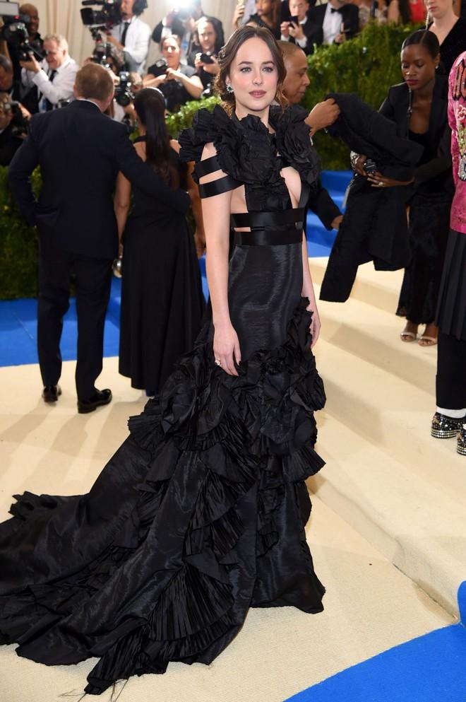 """Dakota Johnson: Từ cô bé kém sắc đến mỹ nhân gợi cảm của """"50 sắc thái"""" - Ảnh 15."""