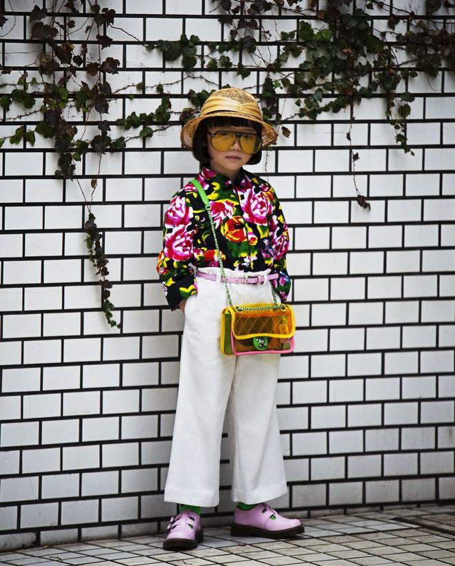 Fashionista 7 tuổi người Nhật từng gây sốt nay còn tự mix đồ hiệu xịn sò cho photoshoot chất ngất của mình trên Elle Mỹ - Ảnh 4.
