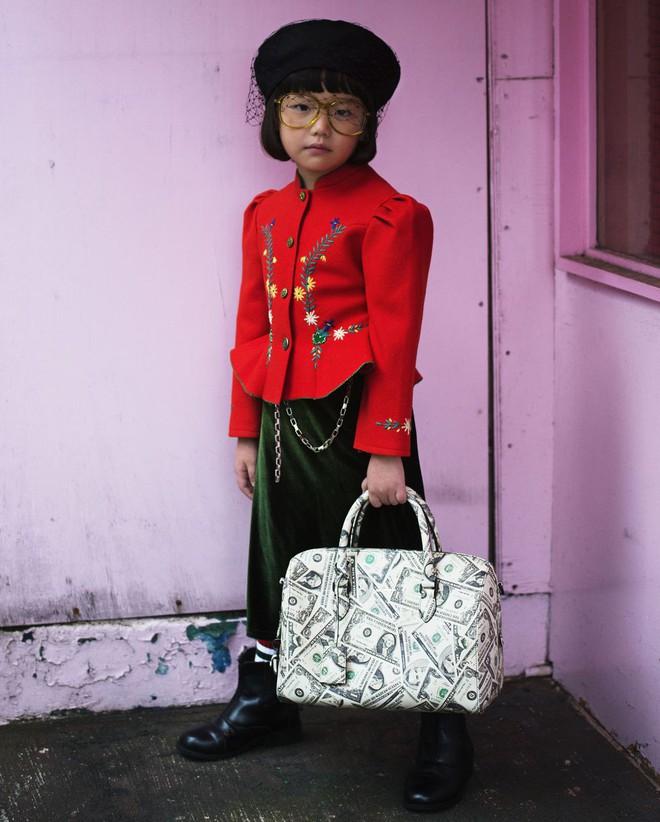 Fashionista 7 tuổi người Nhật từng gây sốt nay còn tự mix đồ hiệu xịn sò cho photoshoot chất ngất của mình trên Elle Mỹ - Ảnh 6.