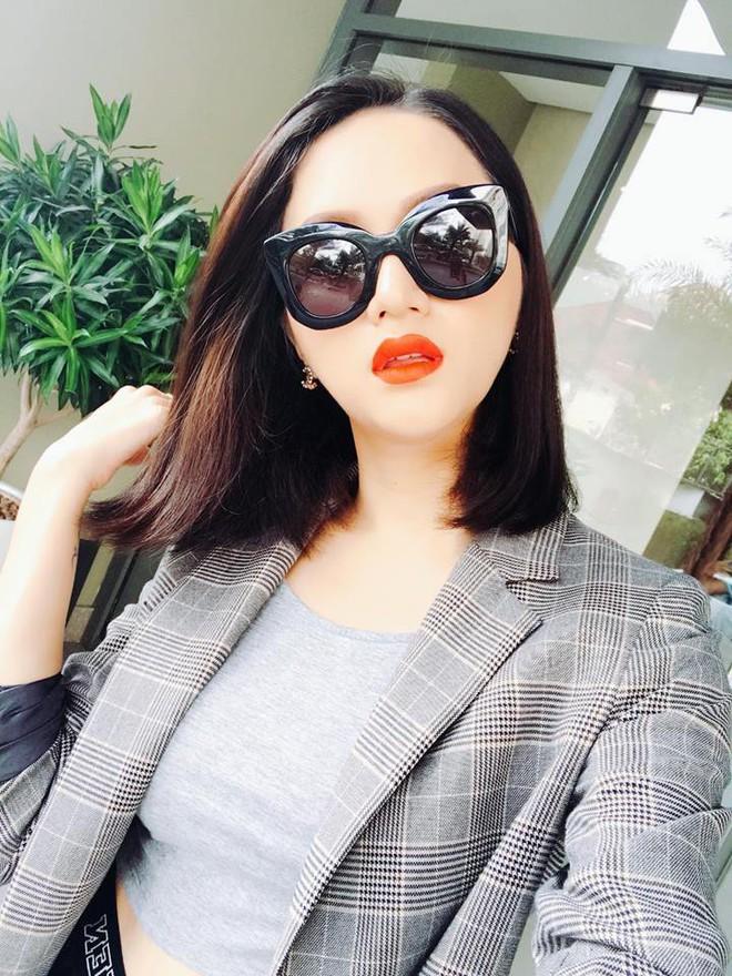 Đổi vận đầu năm, nhiều người đẹp Việt chọn cách thay đổi kiểu tóc - Ảnh 8.