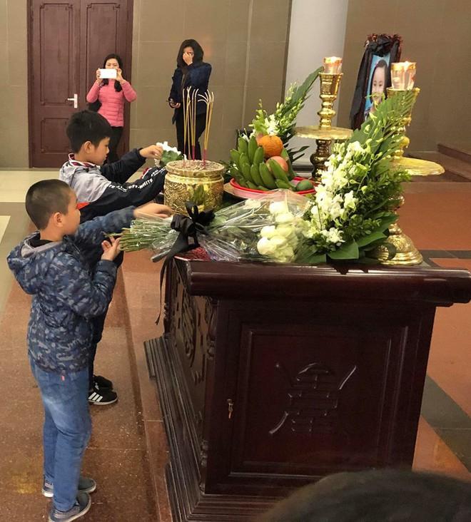 Xúc động lễ tiễn biệt bé gái 7 tuổi hiến giác mạc sau khi qua đời - ảnh 3