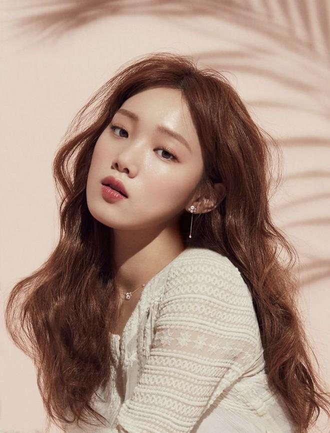 Hành trình nhan sắc của Tiên nữ cử tạ Lee Sung Kyung khiến netizen xứ Trung tròn mắt - Ảnh 7.
