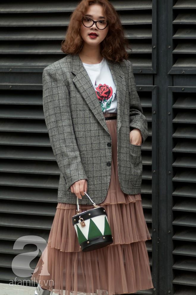 Diện blazer đẹp như các quý cô miền Bắc trong street style những ngày cuối tháng 2 - Ảnh 4.