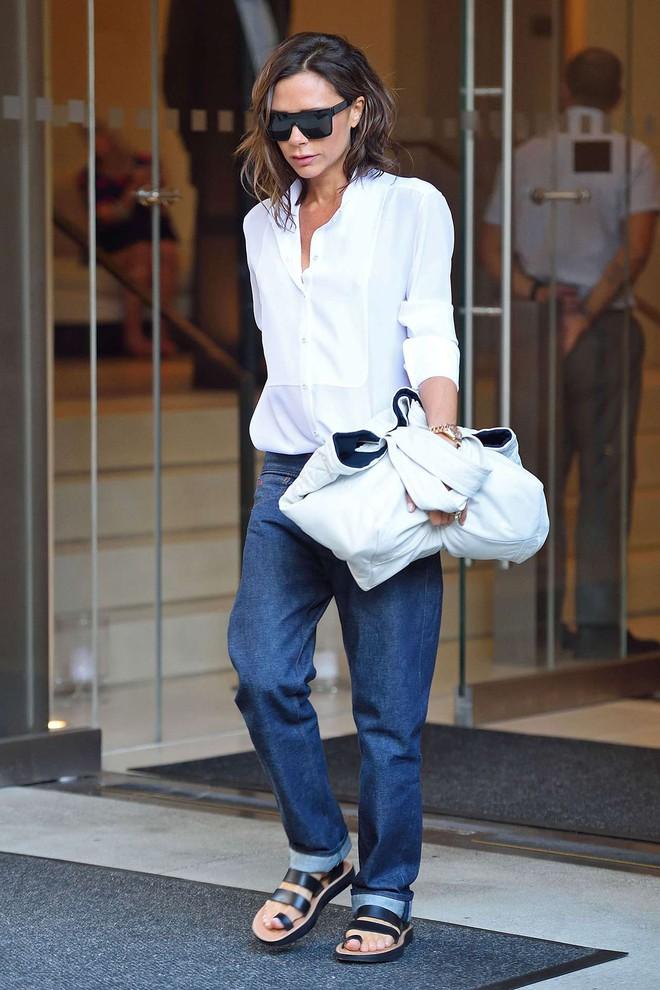 Victoria Beckham và những chiếc quần jeans chẳng mấy khi giặt - Ảnh 5.