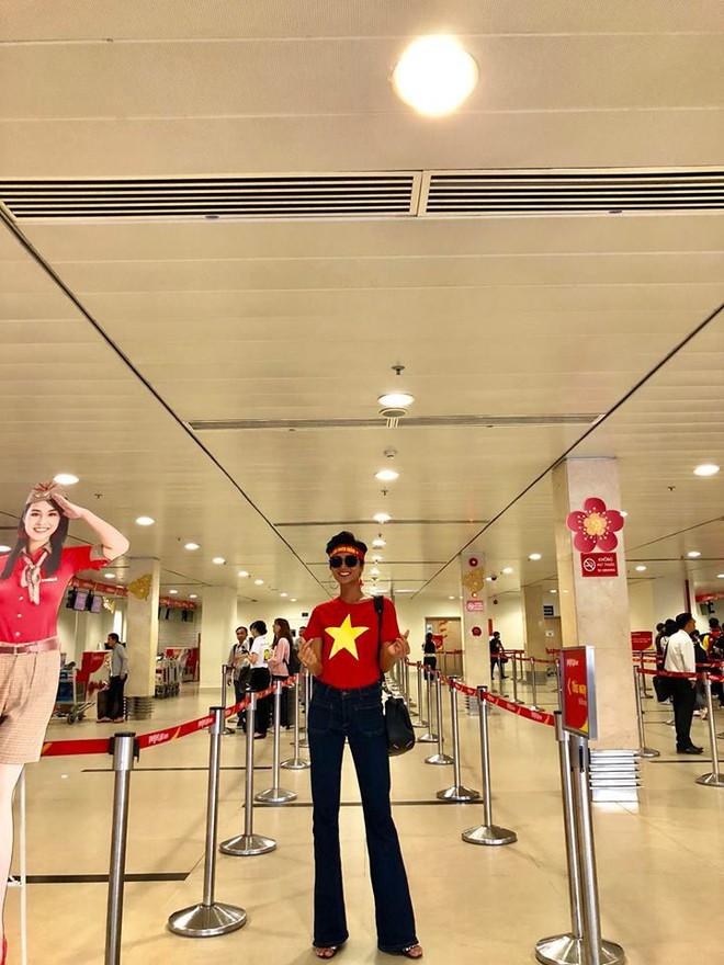 Học ngay kỹ nghệ kéo dài chân của Hoa hậu HHen Niê: đã mặc quần là phải quần cạp cao - Ảnh 4.