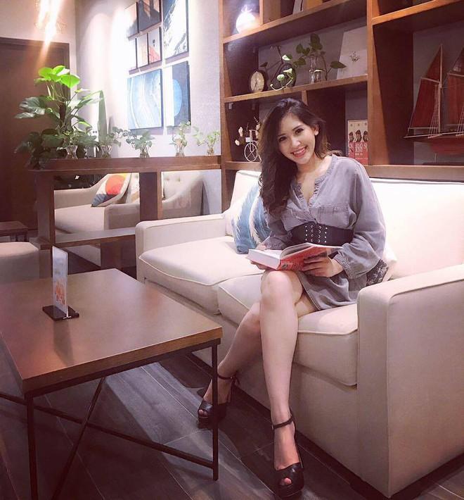 Chân dung cô em nóng bỏng của Hoa hậu nhà giàu Jolie Nguyễn - Ảnh 20.