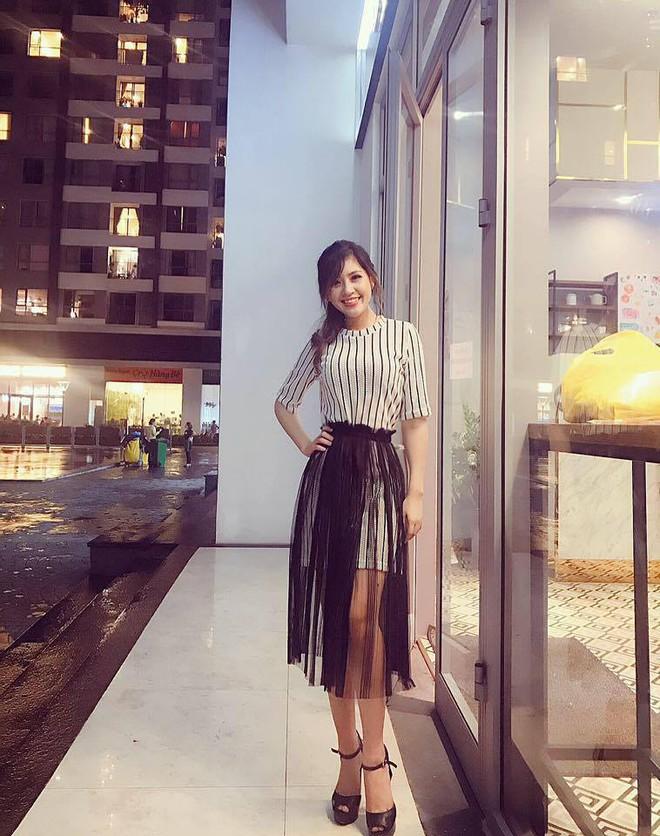 Chân dung cô em nóng bỏng của Hoa hậu nhà giàu Jolie Nguyễn - Ảnh 21.