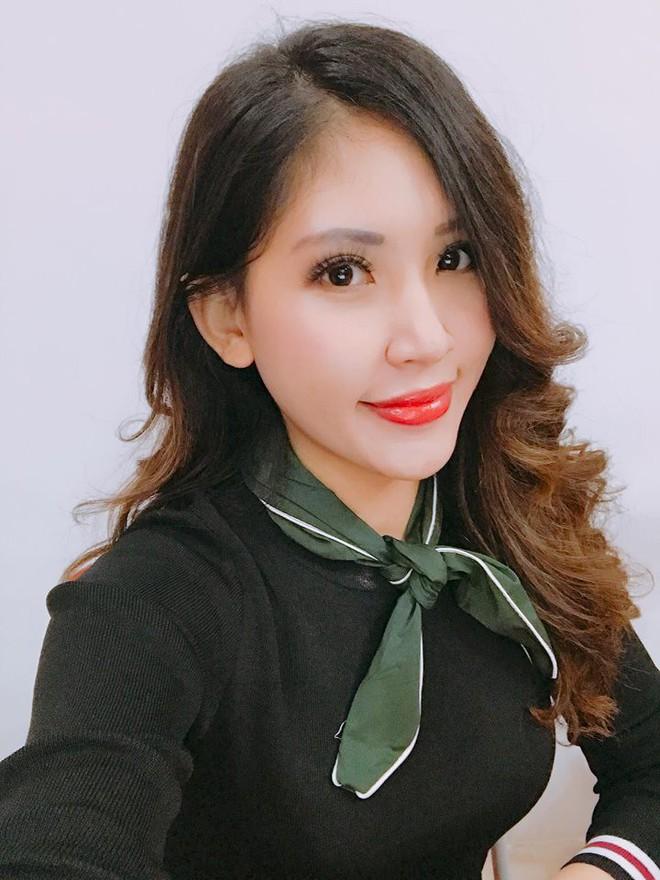 Chân dung cô em nóng bỏng của Hoa hậu nhà giàu Jolie Nguyễn - Ảnh 3.