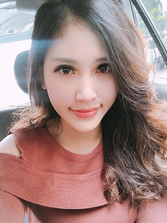 Chân dung cô em nóng bỏng của Hoa hậu nhà giàu Jolie Nguyễn - Ảnh 26.