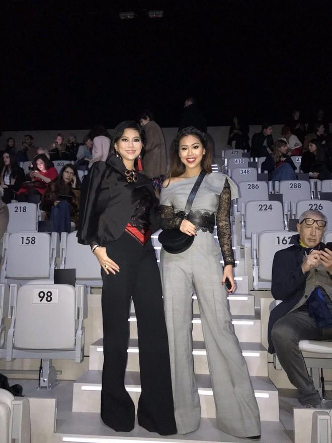 Mùa này nước ta làm gì có ai bay show ác liệt tại Milan Fashion Week hơn là Thảo Tiên - em chồng Hà Tăng - Ảnh 9.
